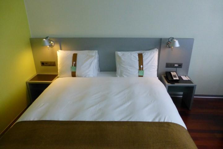 Holiday Inn Bern-Westside Queen Bed
