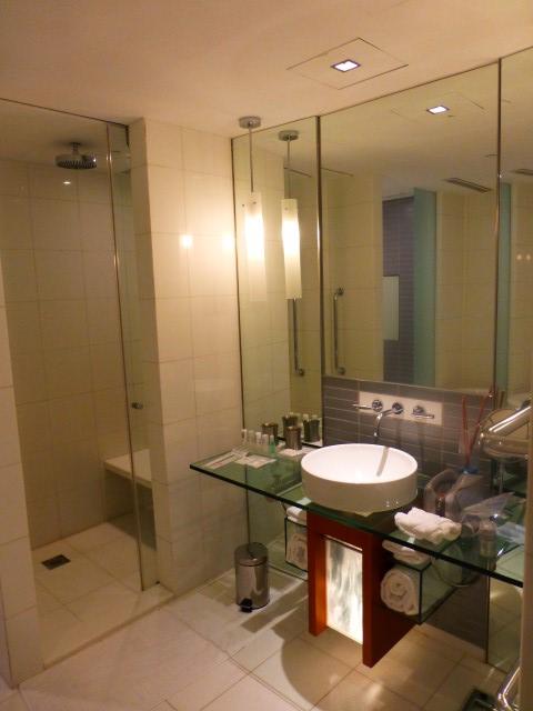 Bathroom - Le Méridien Cyberport